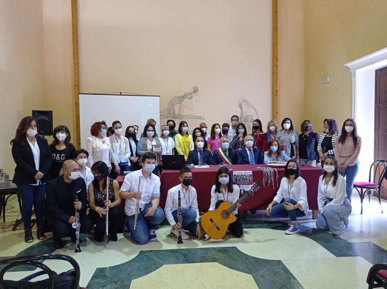 Foto di gruppo dei partecipanti all'evento